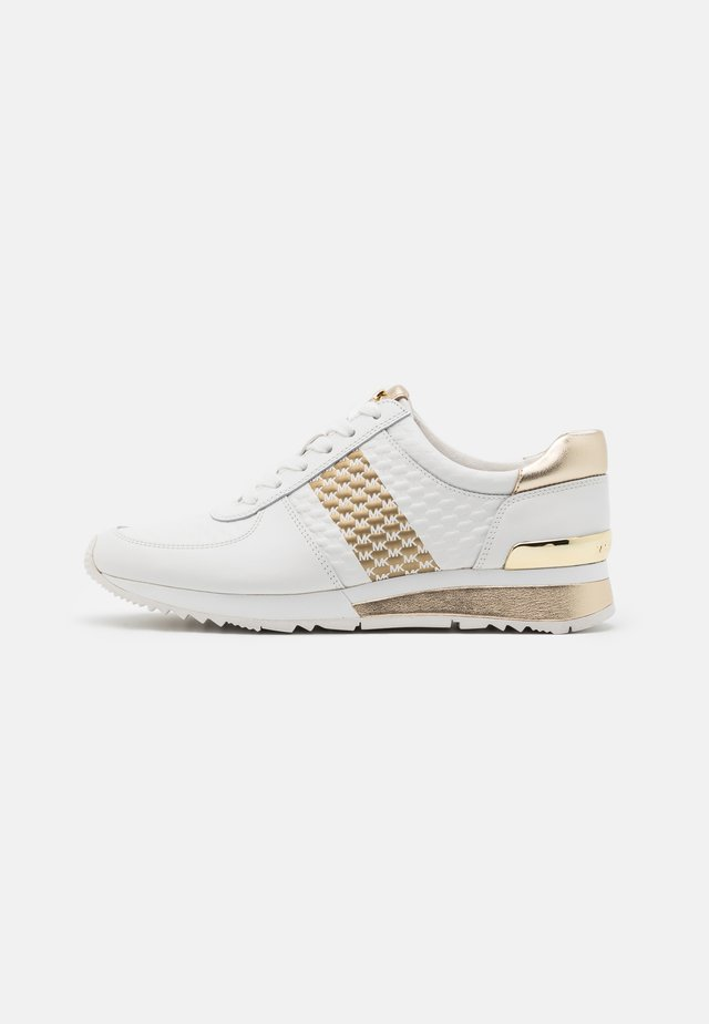 ALLIE WRAP TRAINER - Baskets basses - optic white/gold