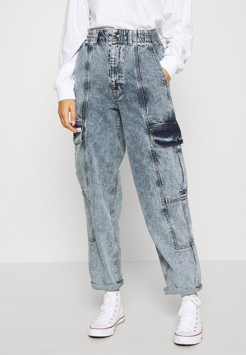 BDG Urban Outfitters - BLAINE SKATE - Cargobukse - acid wash blue