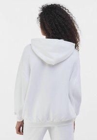 Bershka - Hoodie - white - 2