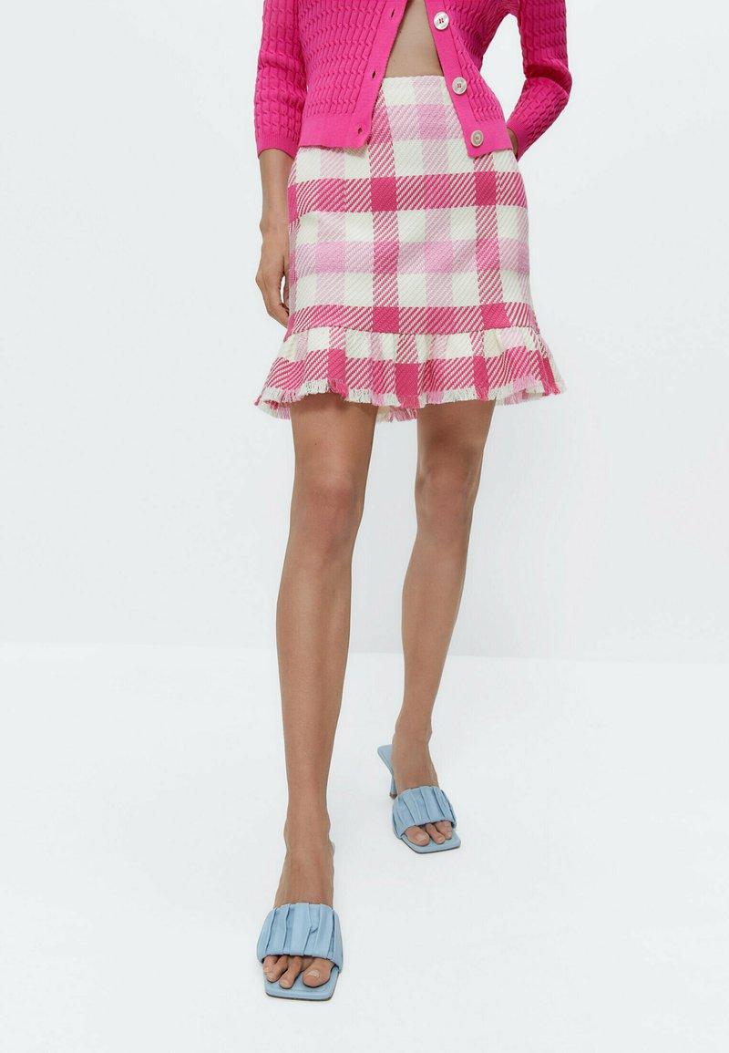 Uterqüe - MIT VOLANTS - A-line skirt - pink/white