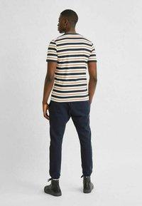 Selected Homme - T-shirt imprimé - sky captain - 2