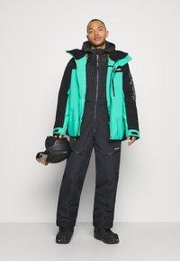 Oakley - GUNN SHELL BIB - Snow pants - blackout - 1