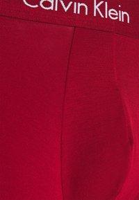 Calvin Klein Underwear - BOXER BRIEF 3 PACK - Boxerky - blue/red - 4