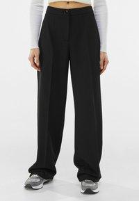 Bershka - Pantalon classique - black - 0