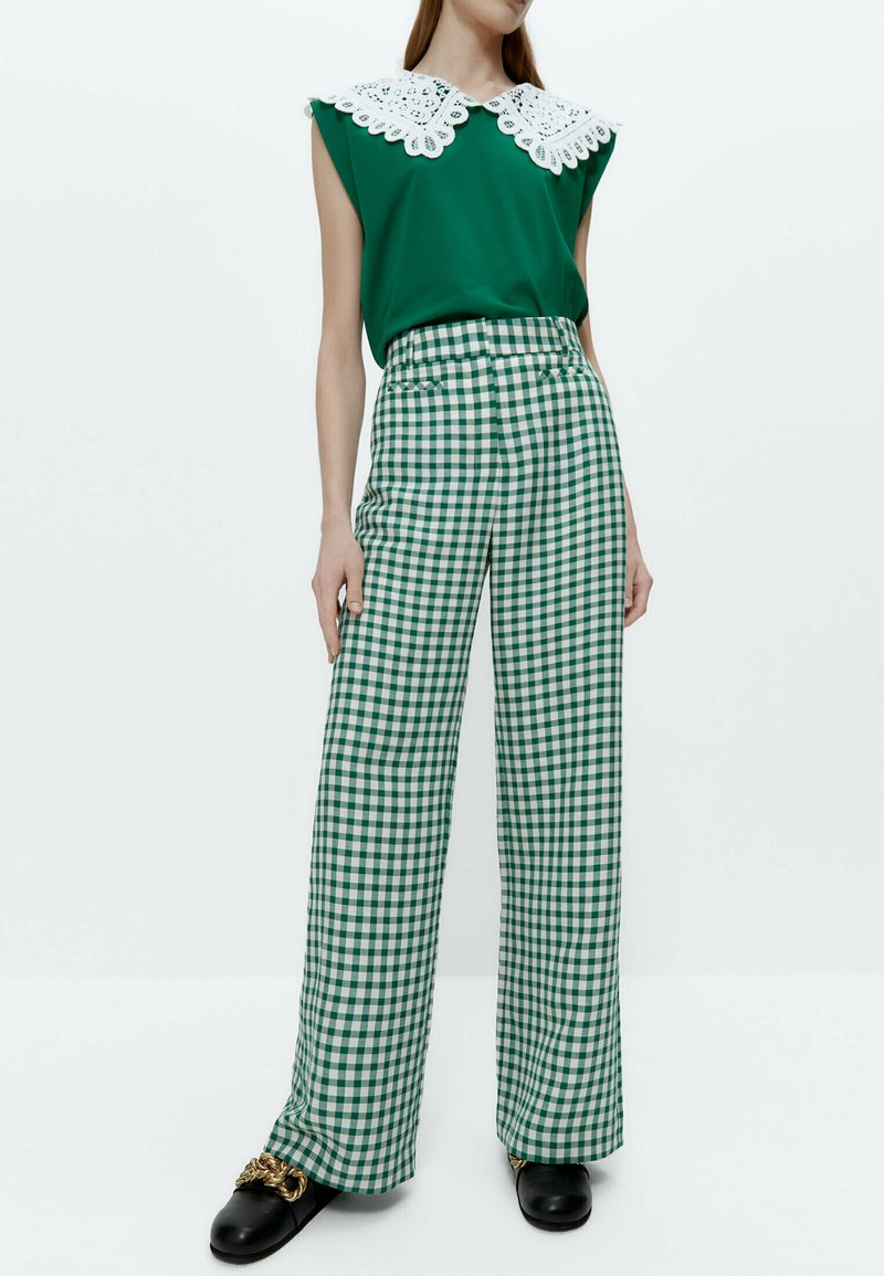 Uterqüe - MIT VICHYKAROS - Trousers - green