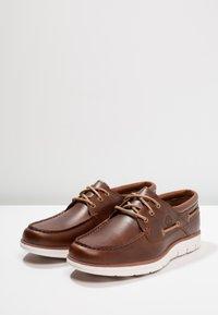 Timberland - BRADSTREET 3 EYE - Chaussures bateau - sahara brando - 2
