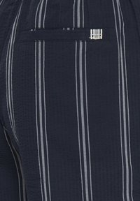 Tailored Originals - TOADRIAN  - Shorts - dark sapphire - 6