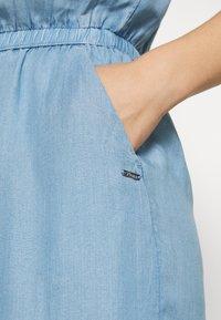 TOM TAILOR DENIM - CHAMBRAY SHORTALL - Jumpsuit - light stone wash denim - 5
