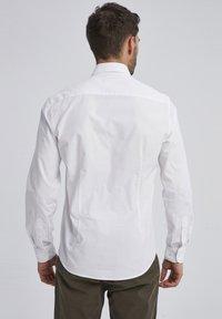 Auden Cavill - Shirt - wei㟠- 1