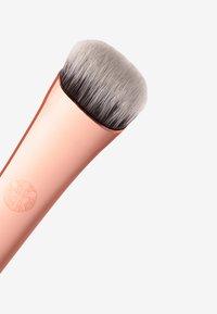 Luvia Cosmetics - SOFT SHADER BRUSH - Eyeshadow brush - - - 3