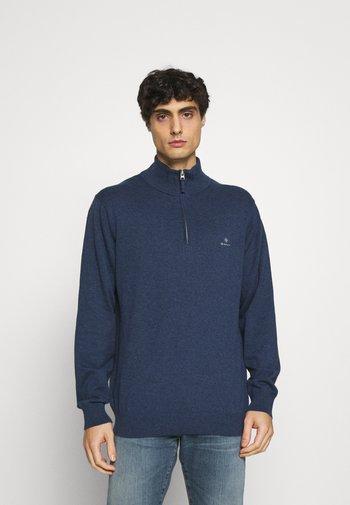CLASSIC HALF ZIP - Strikpullover /Striktrøjer - dark jeans blue