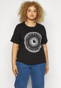 ONLY Carmakoma - CARLANDA - Print T-shirt - black - 0