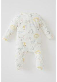 DeFacto - REGULAR FIT - Sleep suit - ecru - 1