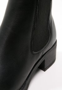 Pavement - CHRISTINA  - Classic ankle boots - black - 6