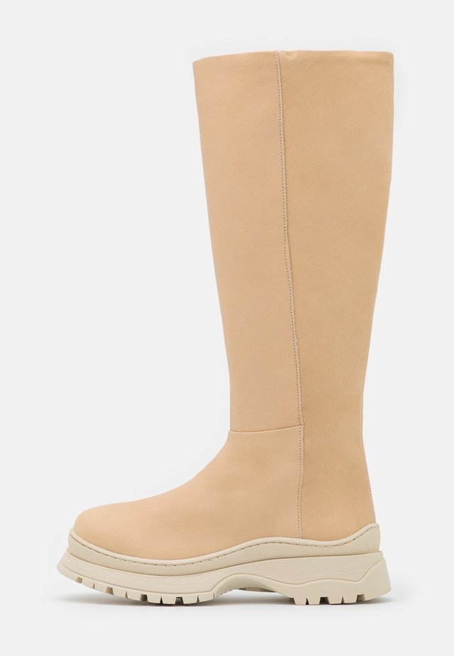 SLFLUCY HIGH SHAFTED BOOT  - Plateaulaarzen - sand