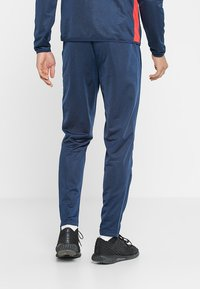Uhlsport - ESSENTIAL CLASSIC - Tracksuit - blue/red - 4