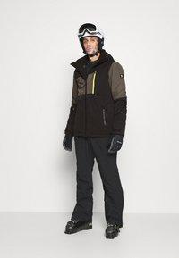 Brunotti - DAKOTO MENS SNOWJACKET - Snowboardová bunda - pine grey - 1
