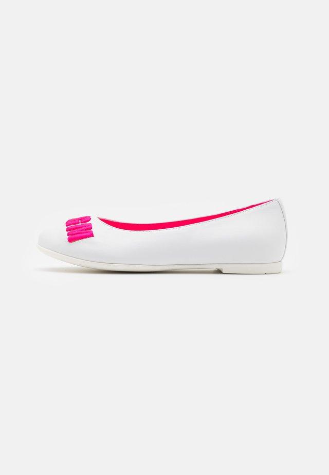 Ballet pumps - white/pink