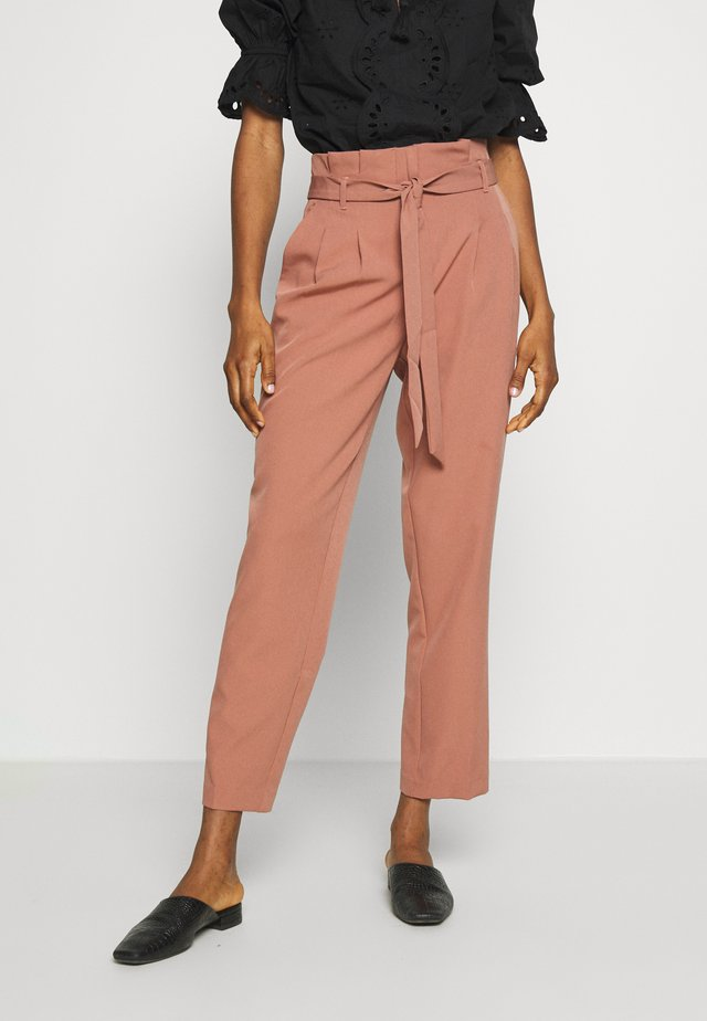 MILLER PAPERBAG TROUSER - Chino - mid pink
