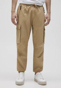 PULL&BEAR - Cargo trousers - beige - 0