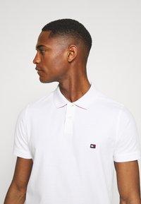 Tommy Hilfiger - CONTRAST PLACKET SLIM  - Polo shirt - white - 3