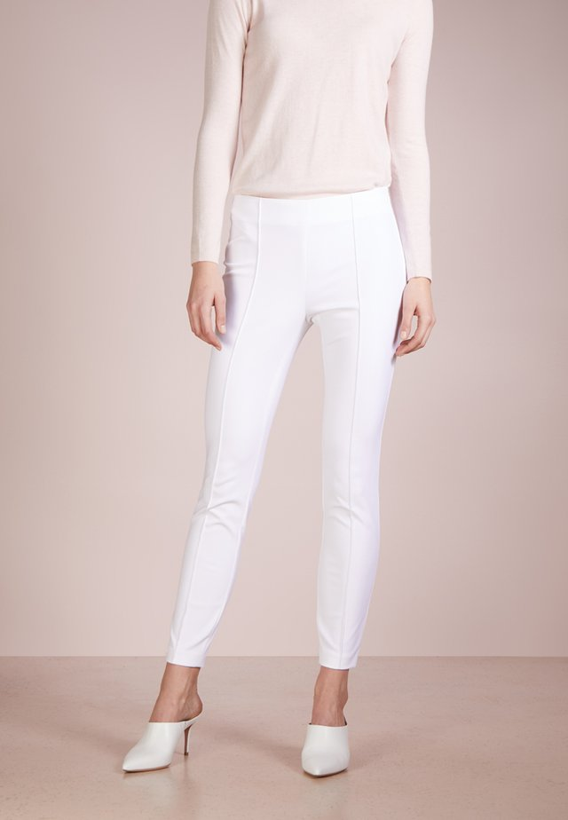 TEPITA - Pantalon classique - white