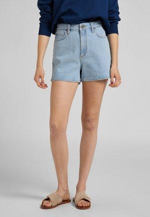 CAROL  - Jeans Short / cowboy shorts - light alton