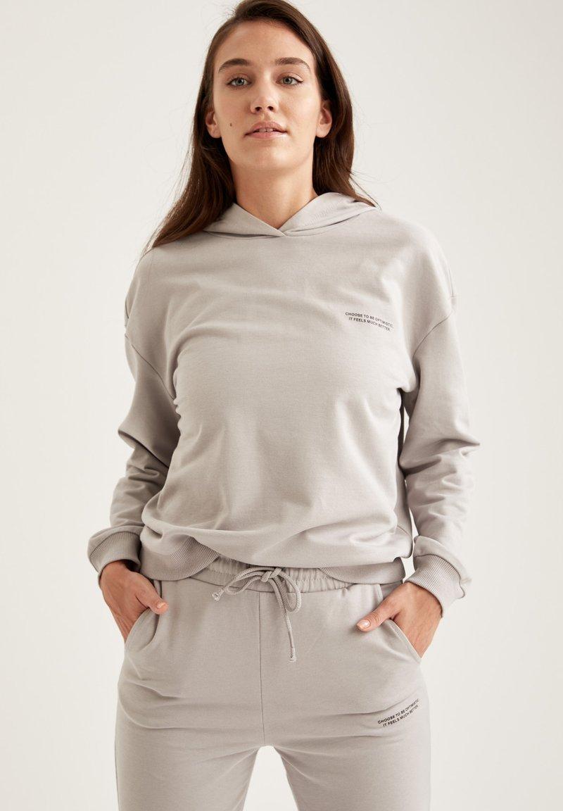 DeFacto Fit - Hoodie - grey