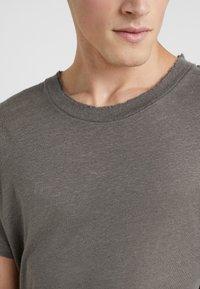 Iro - JURUS - Basic T-shirt - dark grey - 6