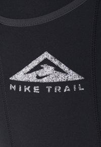 Nike Performance - EPIC LUXE TRAIL - Punčochy - black/dark smoke grey/silver - 4
