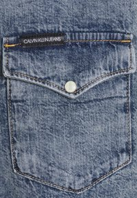 Calvin Klein Jeans - MODERN WESTERN - Shirt - denim light - 2