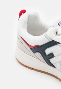 Faguo - WILLOW UNISEX - Sneakersy niskie - white/navy/red - 5