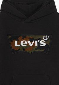 Levi's® - BATWING HOODIE - Kapuzenpullover - black - 3