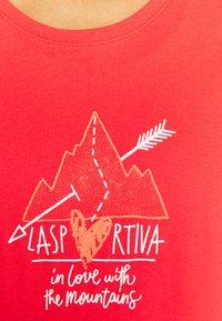 La Sportiva - ALAKAY  - T-shirt con stampa - hibiscus - 3