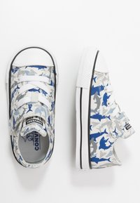 Converse - CHUCK TAYLOR ALL STAR SHARK BITE - Trainers - photon dust/rush blue/white - 0