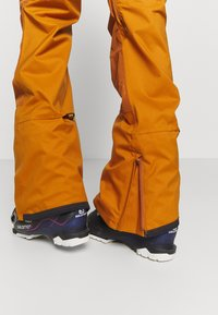 Burton - LAROSA BIB - Snow pants - true penny - 4