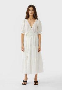 Stradivarius - Maxi dress - white - 0