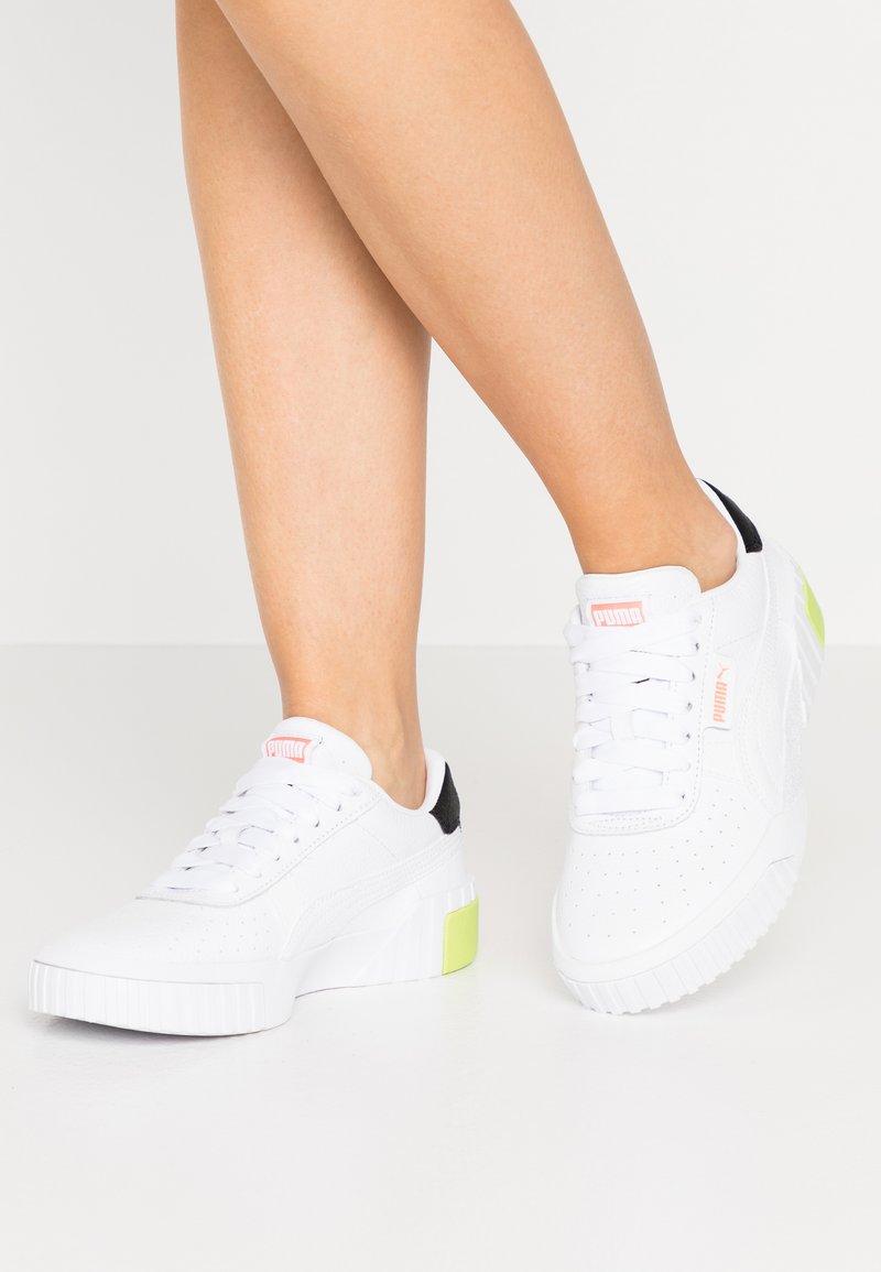 Puma - CALI - Sneakers basse - white/peach
