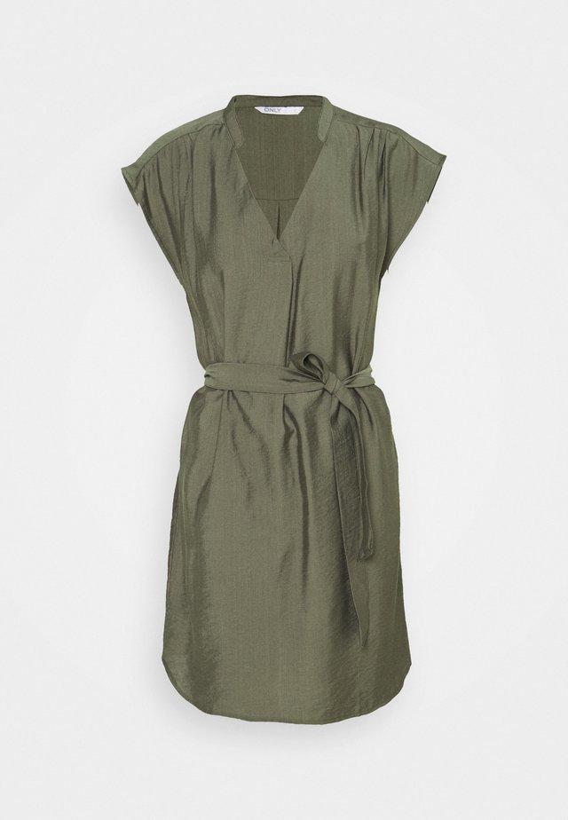 ONLJOSEY V NECK DRESS - Robe d'été - kalamata