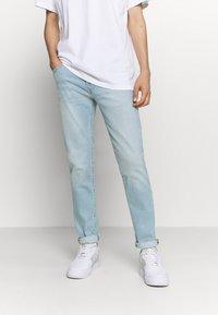 Levi's® - 511™ SLIM - Džíny Slim Fit - light blue denim - 0