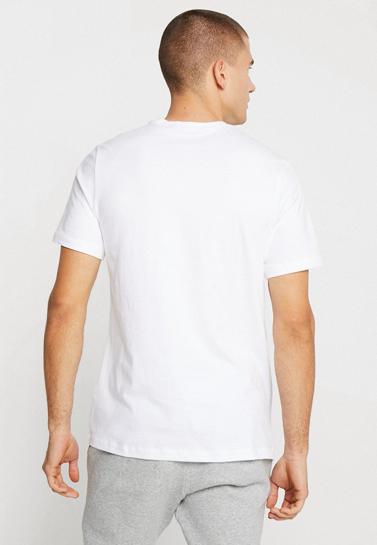 Nike Sportswear Club Tee - T-shirts White/black/hvit
