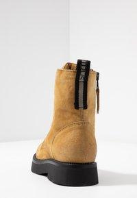 MJUS - Kotníkové boty na platformě - bisanzio - 5