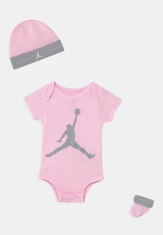 JUMPMAN SET UNISEX - T-Shirt print - pink foam
