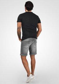 Blend - GRILITSCH - Denim shorts - denim grey - 2