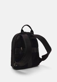 Valentino Bags - KYLO BACKPACK UNISEX - Plecak - nero - 1