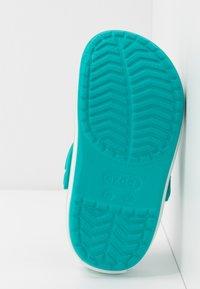 Crocs - CROCBAND CLOG - Pantolette flach - latigo bay - 4