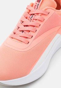 Tommy Hilfiger - SPORT 2 WOMEN - Sports shoes - orange - 5