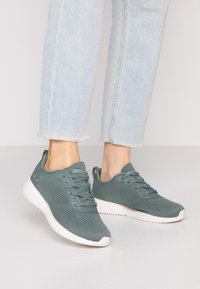 Skechers Wide Fit - BOBS SQUAD - Sneakers laag - green - 0