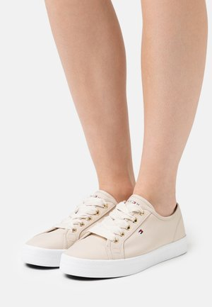 ESSENTIAL NAUTICAL  - Trainers - classic beige