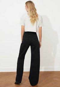 Trendyol - Flared Jeans - black - 5